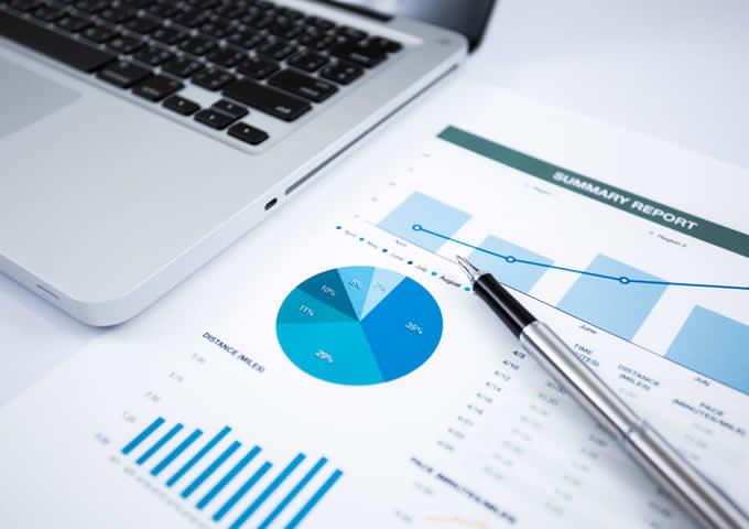 【FP監修】「ジュニアNISA」と「学資保険」どっちを選ぶ?メリット、デメリットを比較!