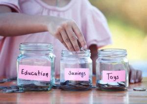 【FP監修】学資保険か貯金かどっちがいい?教育費を賢く貯める方法
