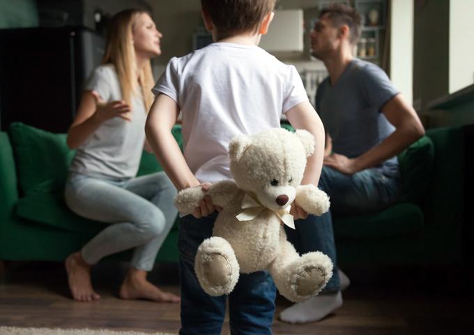 【FP監修】学資保険は離婚のとき解約する?注意点や手続き方法を解説