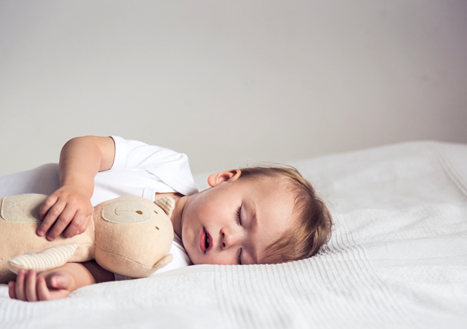 【FP監修】赤ちゃんの銀行口座は必要?メリットとおすすめ銀行7選