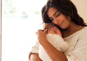 【FP監修】医療保険、生命保険、学資保険~赤ちゃんに本当に必要なのはどれ?