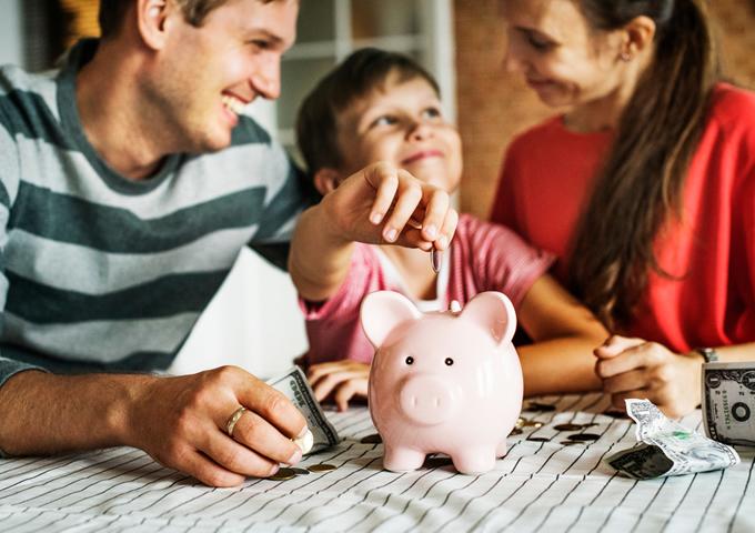 【FP監修】子供のための積立~定期預金、保険、投資、おすすめの方法はどれ?